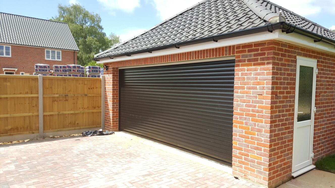 Rd77 classic double roller garage door for Brick garage designs